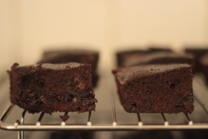 Coconut and passion fruit brownies picture 2