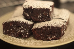 Coconut and passion fruit brownies picture 1
