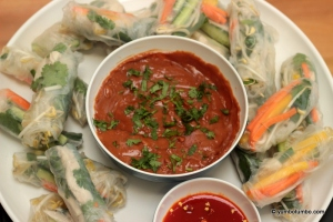 Vietnamese rice paper rolls with peanut dipping sauce_picture 1
