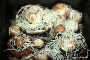 Baked mushrooms with a simple green salad_picture 2